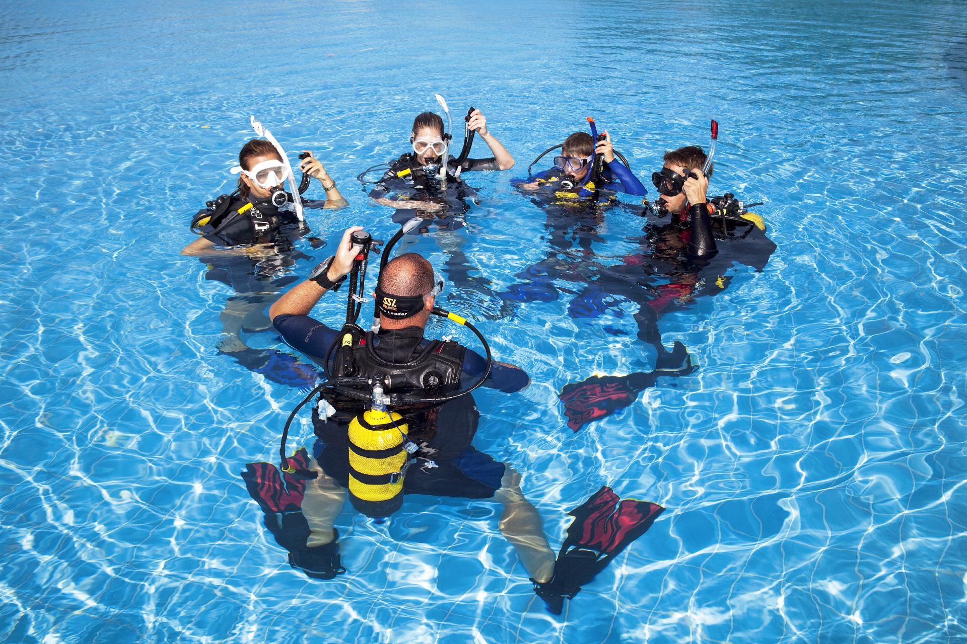 OWD Pool Ausbildung im Gautinger Freibad